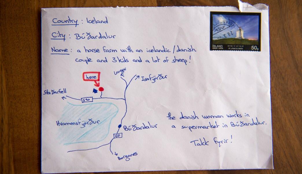Carta con un mapa dibujado y sin dirección llega a Islandia