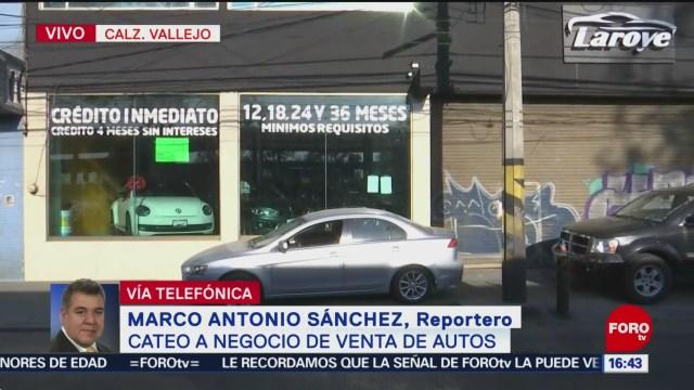 Catean negocio de venta de autos en Calzada Vallejo, CDMX
