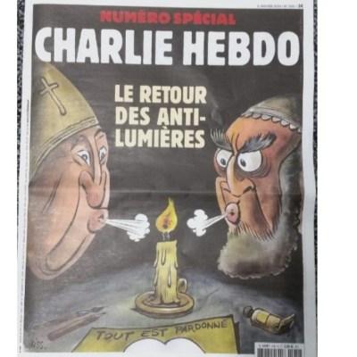 'Charlie Hebdo' critica oscurantismo religioso en aniversario de atentado yihadista