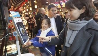 China impulsa la primera calle comercial con pagos por reconocimiento facial