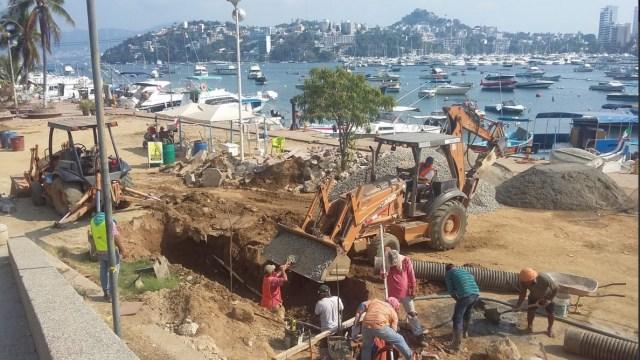 Foto: Clausuran Playa Manzanillo de Acapulco, 9 de enero 2019. Twitter @ObrasGuerrero