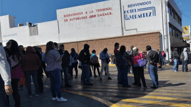 FOTO CNTE bloquea terminal de autobuses en Oaxaca 30 enero 2019