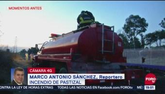 Controlan fuerte incendio de pastizal en parque Cuitláhuac