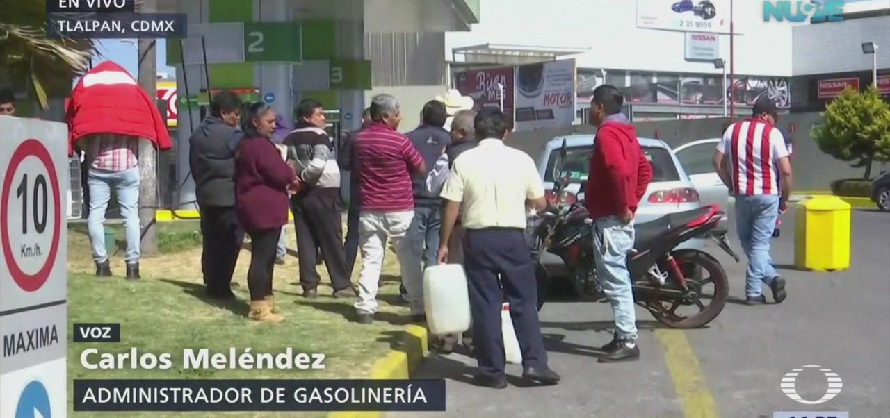 Despachadores en gasolineras sin ingresos por falta de propinas