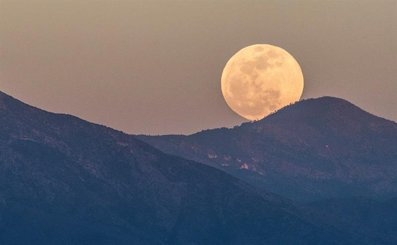 asombra eclipse lunar que fue visible en todo mexico