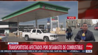 Transportistas afectados por desabasto de combustible en Saltillo