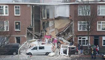 Foto: Fachada del edificio se encuentra dañada por la explosión, 27 enero 2019