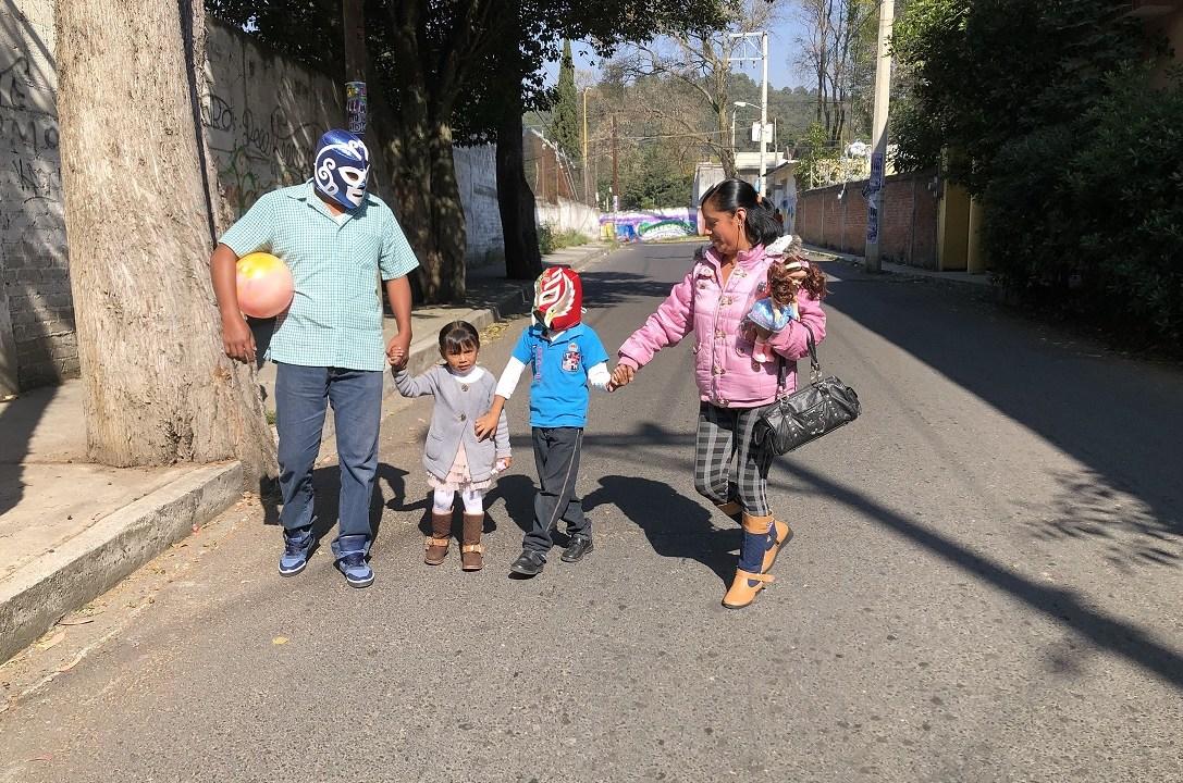 Reyes Magos visitan hogares en México