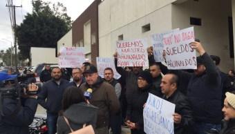 Bloquean Semefos en Baja California para exigir pagos