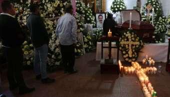 Familiares y amigos despiden a síndico y alcalde de Tlaxiaco