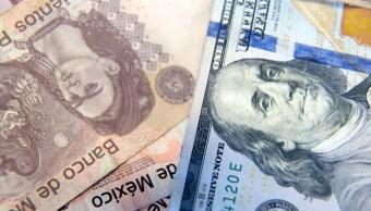 Dólar cae a mínimo de 11 semanas frente al peso