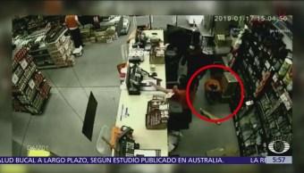 Hombre asalta por tercera ocasión tienda de autoservicio en Álvaro Obregón, CDMX