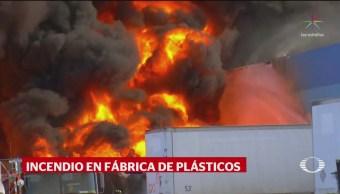 Incendio consume fábrica en Tijuana; no se reportaron heridos