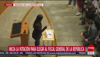 Inicia votación para elegir fiscal general de la República