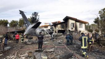 se estrella avion en teheran hay al menos nueve muertos