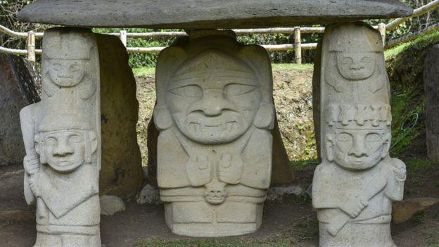 Las estatuas son efigies que representan el paso de la vida a la muerte (GettyImages)