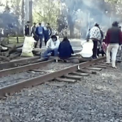 Detenidos 129 trenes por bloqueo de la CNTE a vías en Michoacán