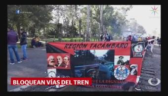 Maestros Bloquean Vías Del Tren Michoacán