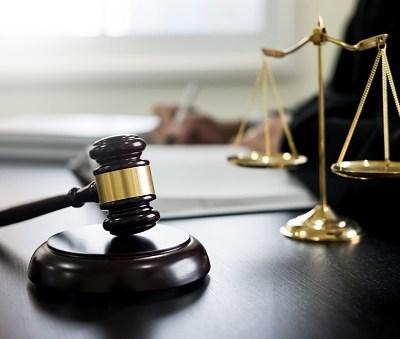 Exoneran a padre de mantener a su hija de 31 años de edad