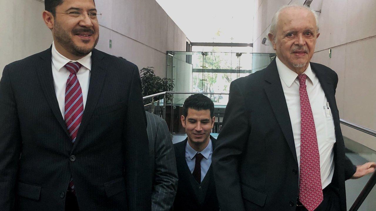Martí Batres defiende compra de pipas sin licitación