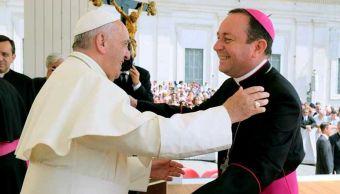 Vaticano investiga a obispo argentino por abuso sexual