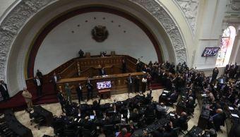 Hallan supuesto explosivo en Parlamento venezolano