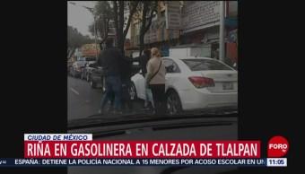 Personas se golpean durante fila para cargar combustible en CDMX