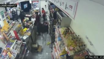 Policía frustra asalto somete a ladrones supermercado