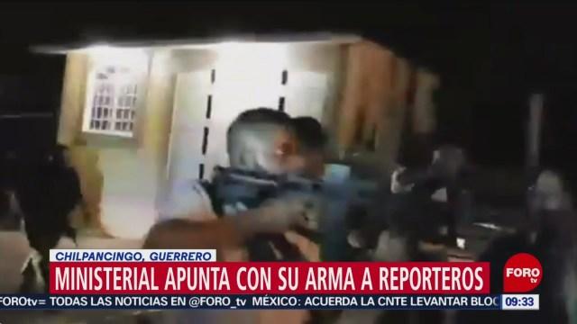 Policía ministerial apunta contra reporteros en Chilpancingo