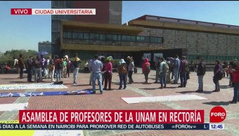 Profesores de CCH exigen aumento salarial; protestan en CU