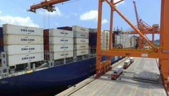 Puerto de Manzanillo logra récord al movilizar contenedores