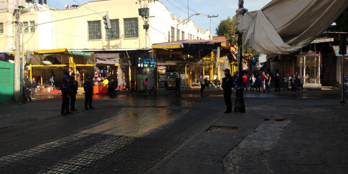 Retiran mil 440 puestos ambulantes del Centro Histórico de CDMX