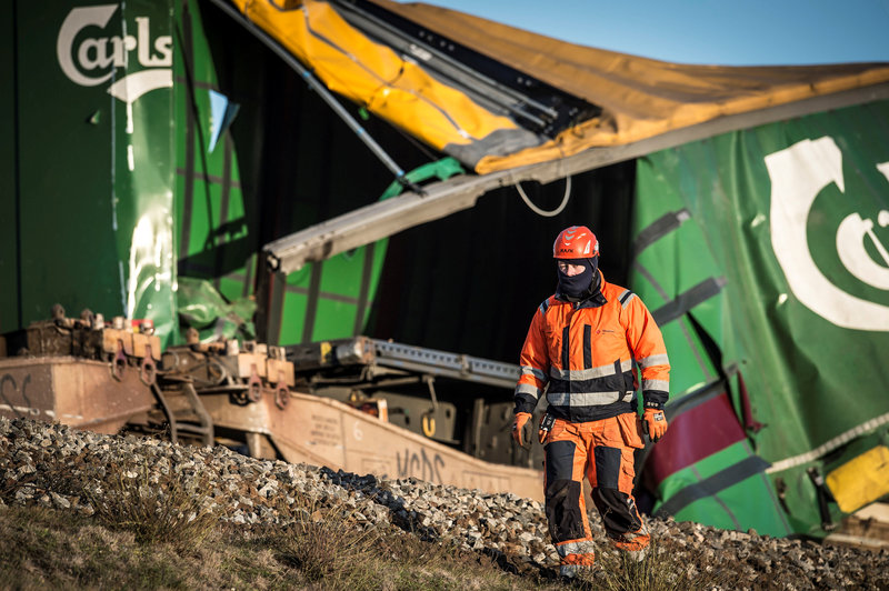 aumentan ocho muertos en accidente ferroviario en dinamarca