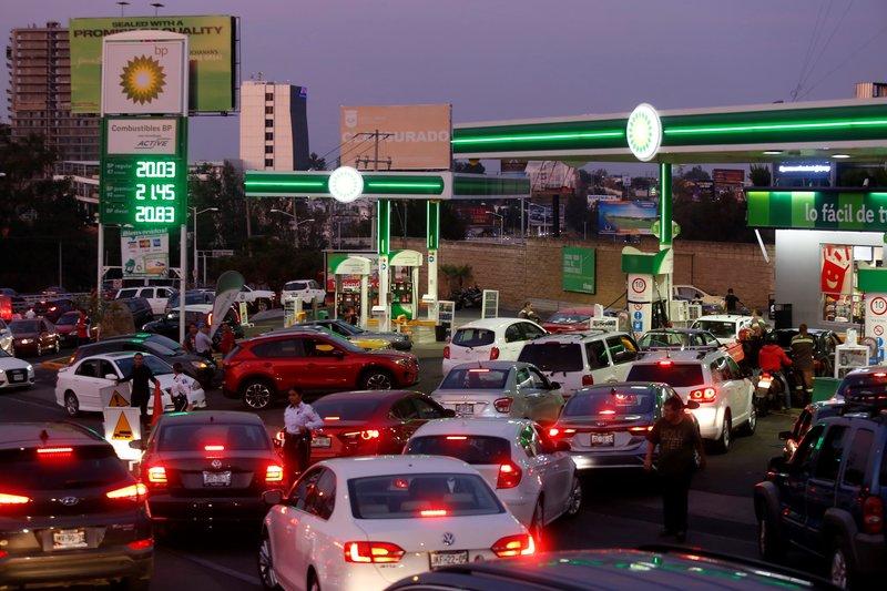 Se intensifica desabasto de combustible en seis estados