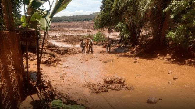 Foto: Río de lodo por ruptura dique en mina de Brasil, 25 enero 2019, Brasil