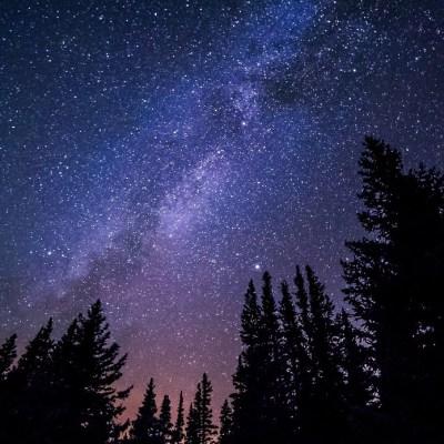 Captan señales de radio enviadas desde una galaxia a 1.5 billones de años luz