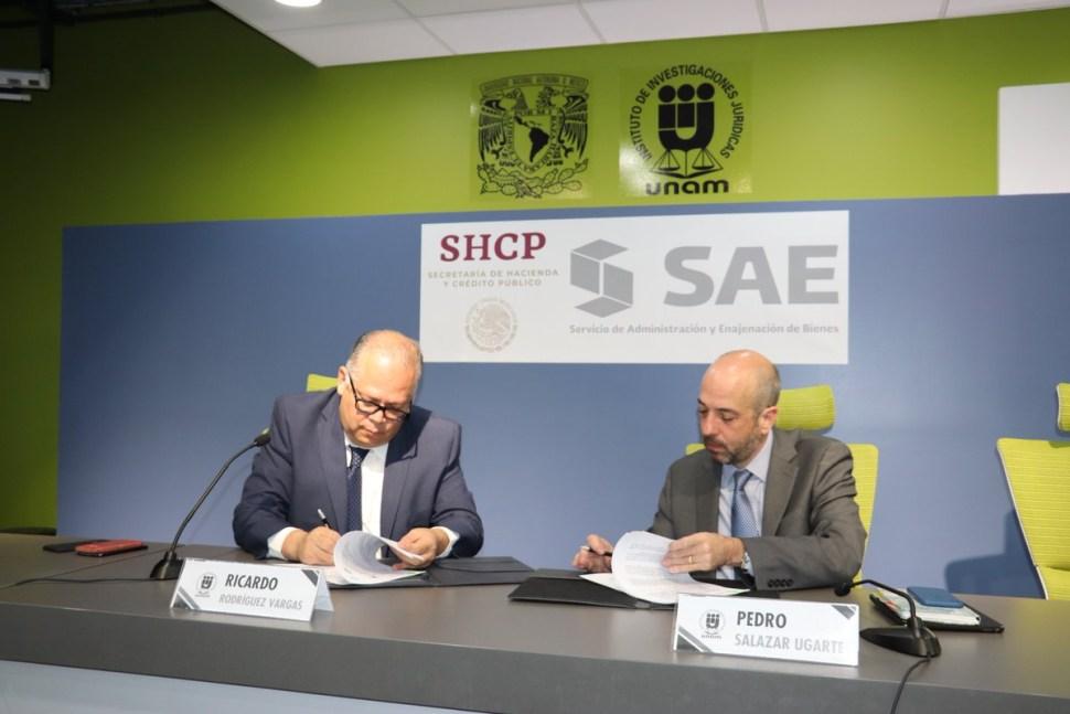 SHCP firma primer convenio con UNAM
