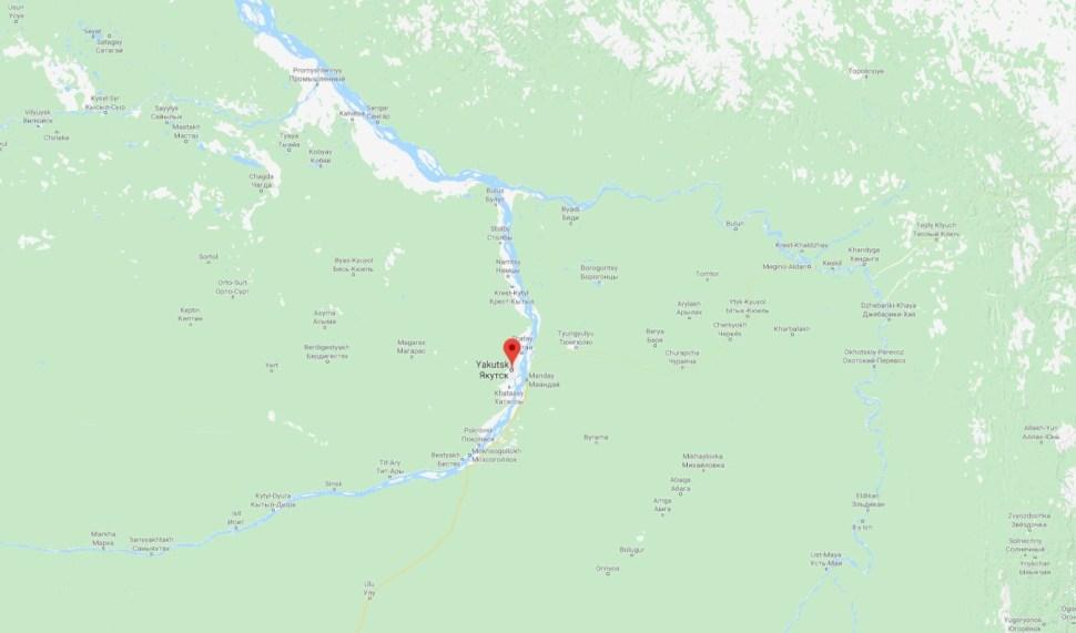 Yakutsk se encuentra a las orillas del río Lena, el onceavo más largo del mundo (GMaps)
