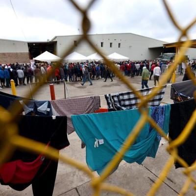 Solicitan asilo en México 1,700 migrantes desde la frontera con EU
