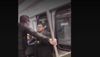 Foto:Usuarios exhibieron a un presunto acosador en el Metro Chabacano , el 7 de febrero 2019