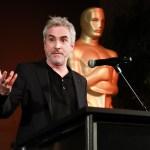 Foto: Alfonso Cuarón habla en el escenario durante el cóctel de recepción en honor a los nominados a los premios de películas en idiomas extranjeros en LACMA, 24 febrero 2019