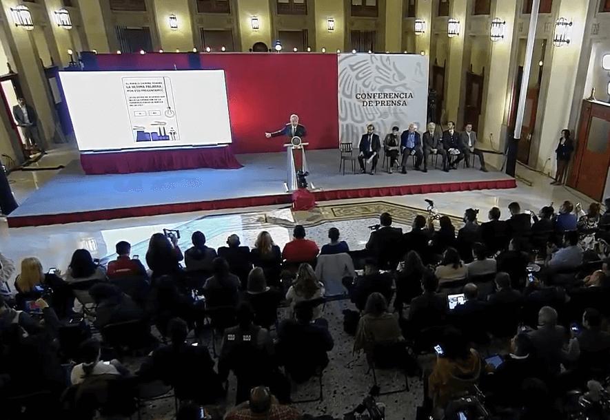 Foto: López Obrador en conferencia de prensa, anuncia consulta sobre termoeléctrica, 8 de febrero de 2019, Ciudad de México