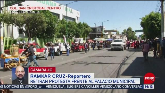 Foto: Antorcha Campesina protesta frente a palacio municipal de Ecatepec