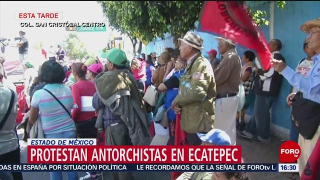 Foto: Antorchistas instalaron mitin frente al palacio municipal de Ecatepec