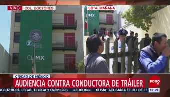 Foto: Audiencia conductora de trailer