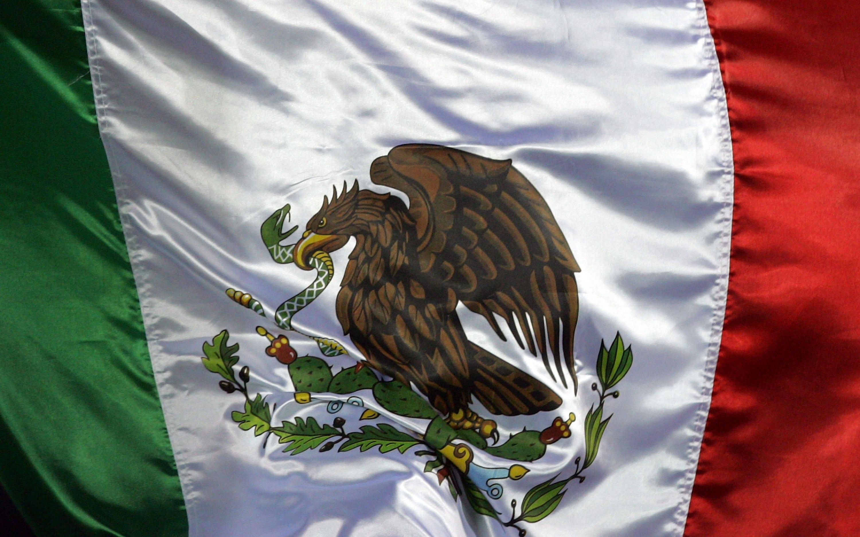 que representa el color blanco en la bandera de mexico