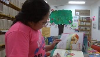 Cronista de Tuxtla Gutiérrez crea biblioteca dentro de mercado público