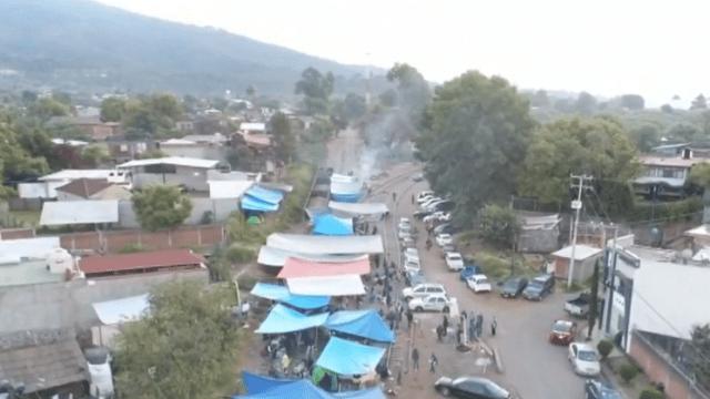 FOTO CNTE Michoacán anuncia retiro de bloqueos en Uruapan Michoacán 9 febrero 2019