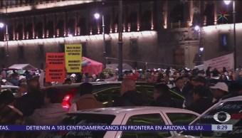 Caos vial por protesta de taxistas en Zócalo, CDMX
