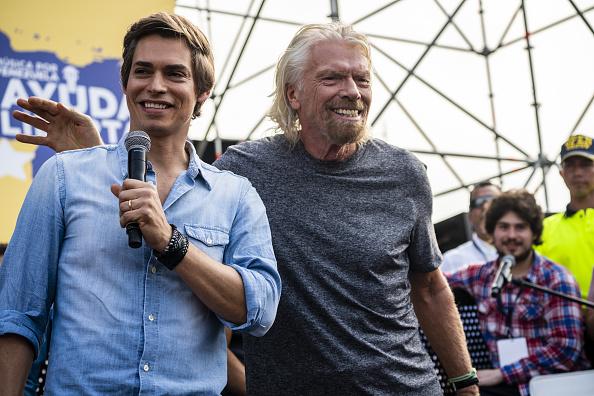 Foto: El cantante venezolano Carlos Baute (d) y el multimillonario Richard Branson (i) en el concierto de Venezuela Live Aid en Cúcuta, Colombia, 22 febrero 2019
